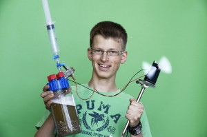 "Alexander Emhart aus Baden-Württemberg gewann in der Kategorie ""Chemie"" Foto: Jugend forscht"