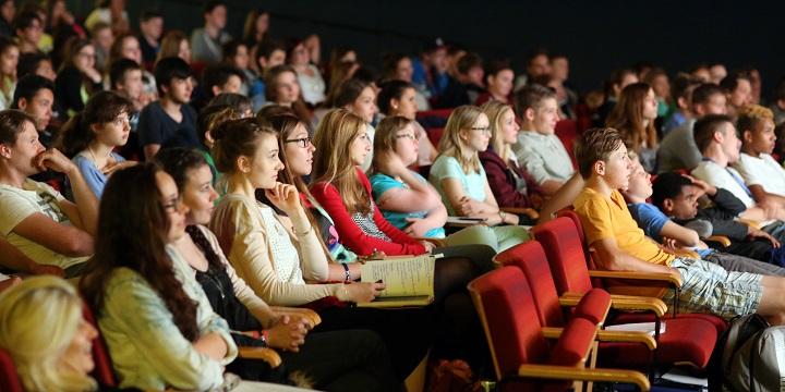 """Kurzfilme anschauen und mit den Filmemachern ins Gespräch kommen – das ermöglicht das Kurzfilmfest """".mov"""". Foto: KultCrossing gemeinnützige GmbH"""