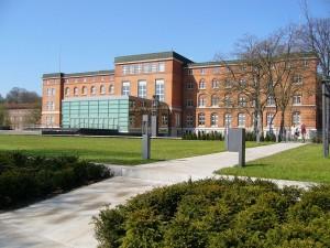 """Der Kieler Landtag. Hier regiert jetzt die """"Dänen-Ampel""""."""