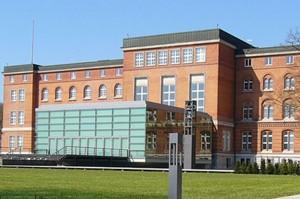 Gibt es auch in Schleswig-Holstein bald einen Schulkonsens? Foto: UphoffHe/Wikimedia Commons