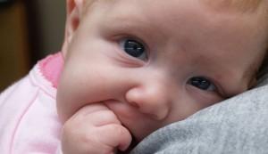 Ein Baby macht das studieren nicht leichter - im Ausland schon gar nicht. Foto: paparutzi / Flickr (CC BY 2.0)