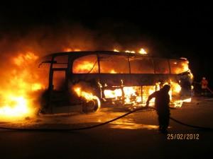Der Bus brannte vollständig aus. Foto: Polizeiinspektion Heidekreis