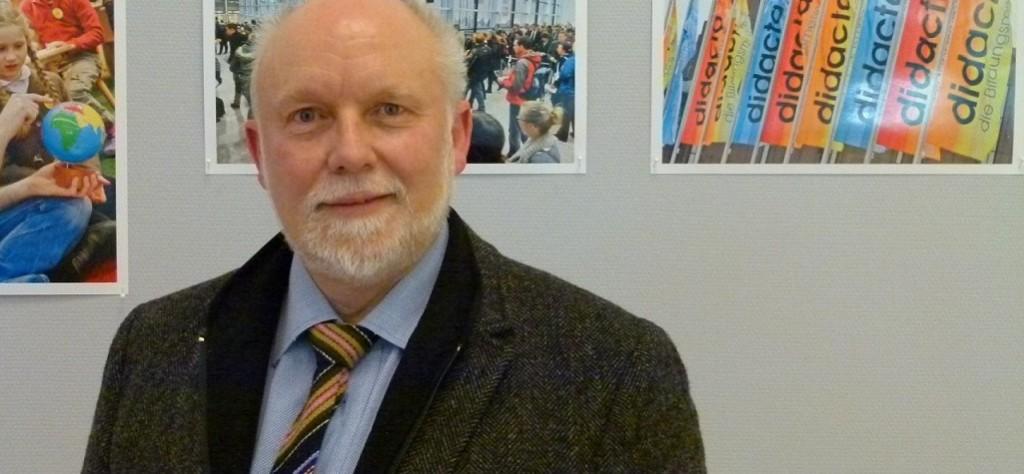 """""""Traditionen sind ja nichts schlechtes"""": Peter Silbernagel, Vorsitzender des Philologen-Verbands Nordrhein-Westfalen, auf der """"didacta"""". Foto: News4teachers."""