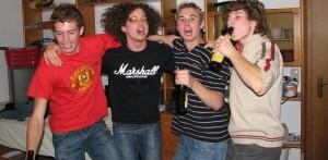 Alkoholkonsum ist im Jugendalter nach wie vor weit verbreitet. Foto: benchfrooser / Flickr (CC BY-SA 2.0)
