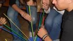 Vor allem zu viel Alkohol lässt Feiern eskalieren: Trinkspiel auf einer Abi-Party 2007. Foto: Bruegge / Flickr (CC BY 2.0)