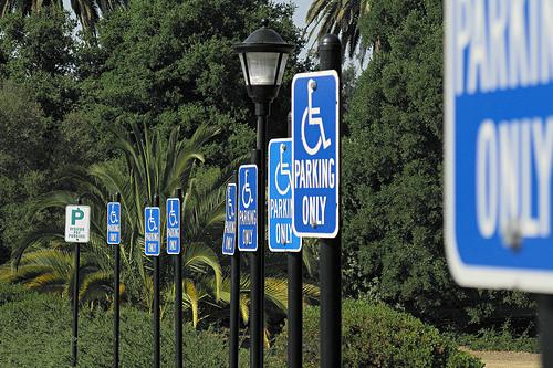 Standards für Integrationshelfer, die behinderten Schülern helfen, gibt es nicht. (Foto: John Loo/Flickr CC BY 2.0)