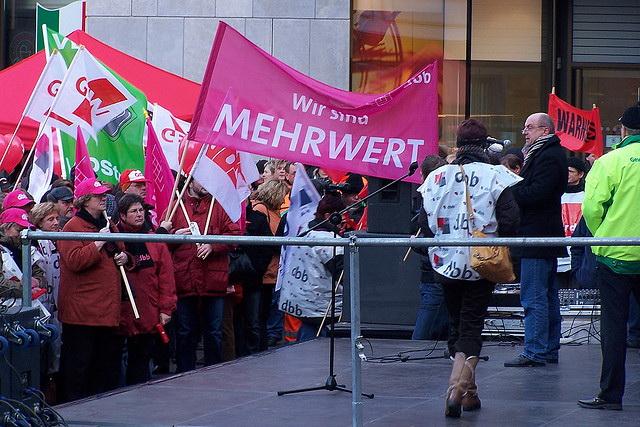 Wenn es nach dem Rechnungshof geht, gibt es bald viel zu tun für die Gewerkschaften -hier eine Demonstration in Halle/Saale. (Foto. Carsten Bach/Flickr CC BY 2.0)