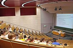 Bei einer effektiven Studienplatz-Verteilung in Deutschland gibt es weiterhin Probleme und so bleiben auch in NC-Fächern Plätze leer. (Foto: Johann Wolfgang Goethe Universität Frankfurt)
