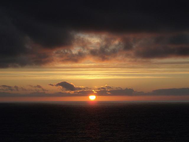 Sonnenaufgang über der Nordsee. Foto: JuTa234 / Flickr (CC BY-SA 2.0)