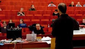 Schlechte Bezahlung, unsichere Beschäftigungsverhältnisse und ungewisse Zukunftsaussichten: Die SPD fordert Verbesserungen für den akademischen Mittelbau. Foto: _dChris / Flickr (CC BY 2.0)