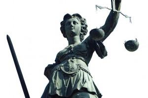 10.500 Euro Geldstrafe wegen Körperverletzung muss der Realschullehrer bezahlen. Foto: Carlo Schrodt /pixelio.de