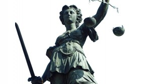 Gesetzeslücke im Paragraph 174 des Strafgesetzbuches? Foto: Carlo Schrodt / pixelio