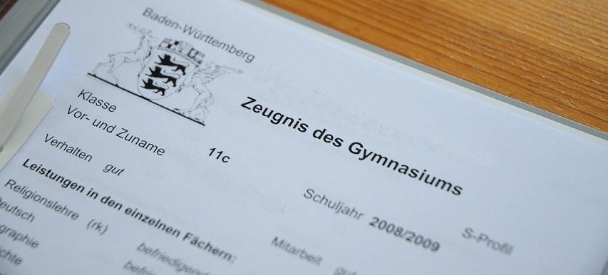 Heute werden in einigen Bundesländern die Halbjahreszeugnisse ausgegeben. Foto: Nils Fabisch / pixelio.de