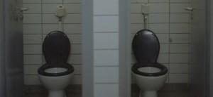 Einige Toilettenanlagen an Münchener SChulen stammen noch aus den 60er oder 70er Jahren. Foto: Fluffisch/Flickr (CC BY 2.0)