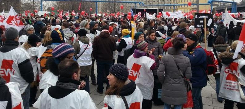 Morgen beginnt die dritte Runde der Tarifverhandlungen: Demonstration in Berlin. Foto. GEW Berlin