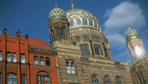 "Die ""Neue Synagoge"" in Berlin. Foto: Daniel Ad/Flickr (CC BY-SA 2.0)"