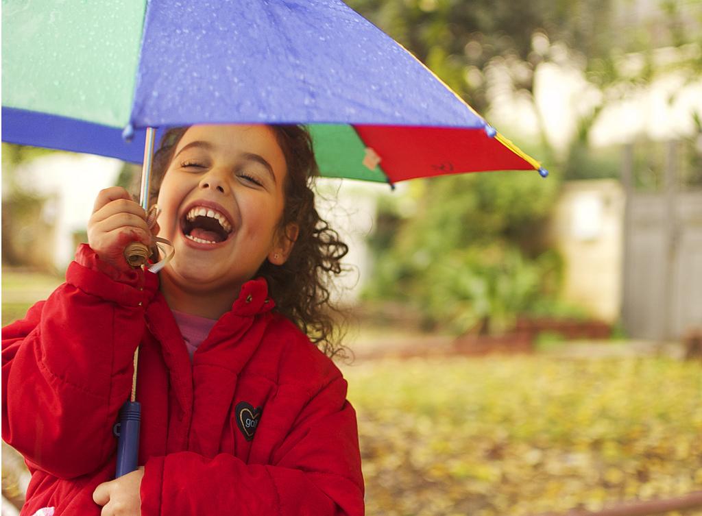 Selbst schlechtes Wetter lässt sich weglachen. Foto: Alon / flickr (CC BY 2.0)