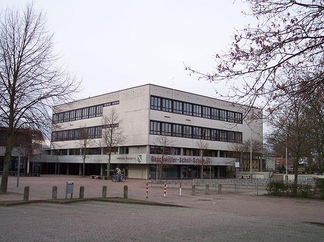 Die Geschwister-Scholl-Realschule in Emsdetten hatte glücklicherweise keine Todesopfer zu beklagen. (Foto: Wikimedia/Gemeinfrei CC BY-SA 3.0
