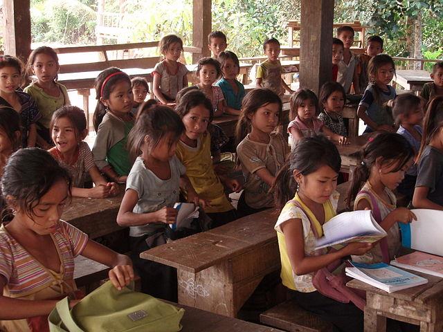 Eine Schule im Norden Laos. (Masae/Wikimedia)