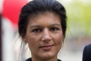 Nachdem sie mehrere Sachbücher veröffentlicht hat, folgt jetzt die Doktorarbeit von Sahra Wagenknecht. (Foto: xtranews.de/Wikimedia CC BY 2.0)