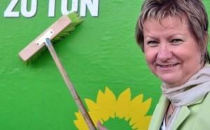 Unter Druck: NRW-Schulministerin Sylvia Löhrmann (Grüne; hier im Wahlkampf). Foto: Die Grünen / Wikimedia Commons (CC BY-SA 2.0)