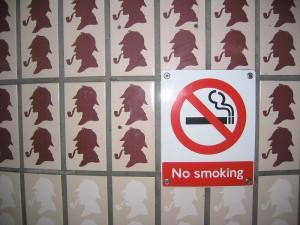 Die Menschen werden weniger krank, seit sie weniger rauchen, sagen die Forscher. (Foto: ed g2s • talk/Wikimedia CC BY-SA 3.0)