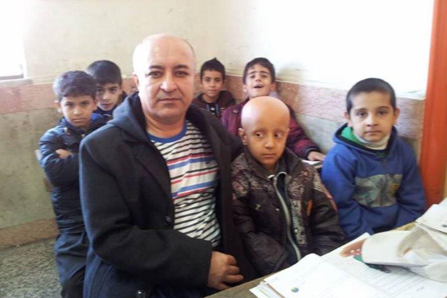 Diese Bild von sich und dem achtjährigen Mahan postete Ali Mohammadian auf Facebook. Screenshot