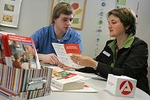 Beratung kann helfen: Der Übergang von der Schule in den Beruf ist für viele nicht einfach. (Foto: PR Nürnberg Arbeitsamt, Erich Malter/ Erlangen )