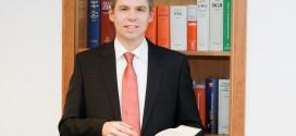"""Gegen Lehrer gerichtet? Ach wo – Interview mit dem Anwalt hinter """"Was Lehrer nicht dürfen"""""""
