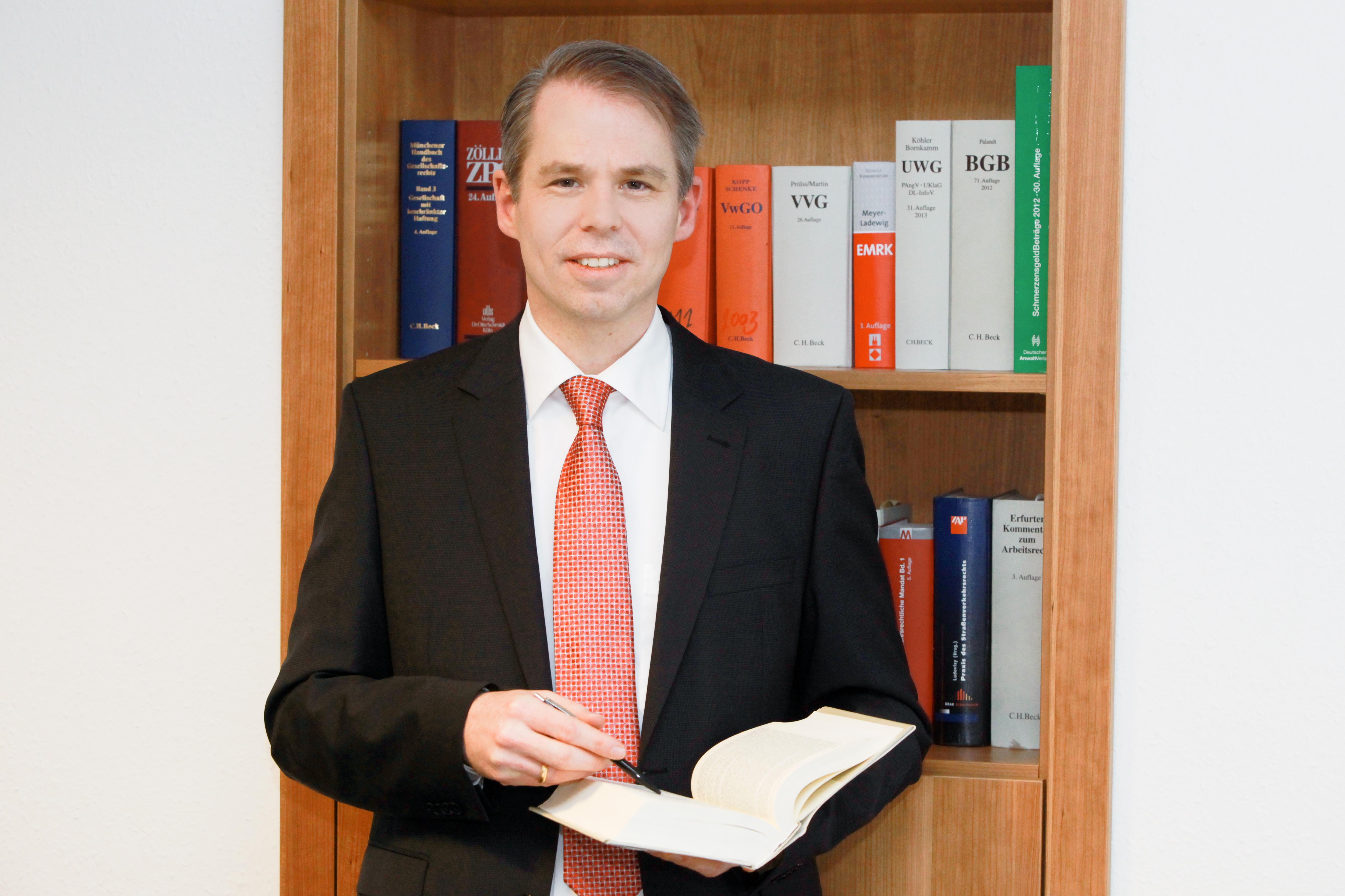 Rolf Taneden ist Anwalr für Schulrecht. (Foto: privat)