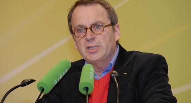 Sieht sich in seiner Forderung nach kleineren Lerngruppen bestätigt: VBE-Chef Beckmann (hier auf einer Grünen-Veranstaltung). Foto: Grüne NRW / Flickr (CC BY-SA 2.0)
