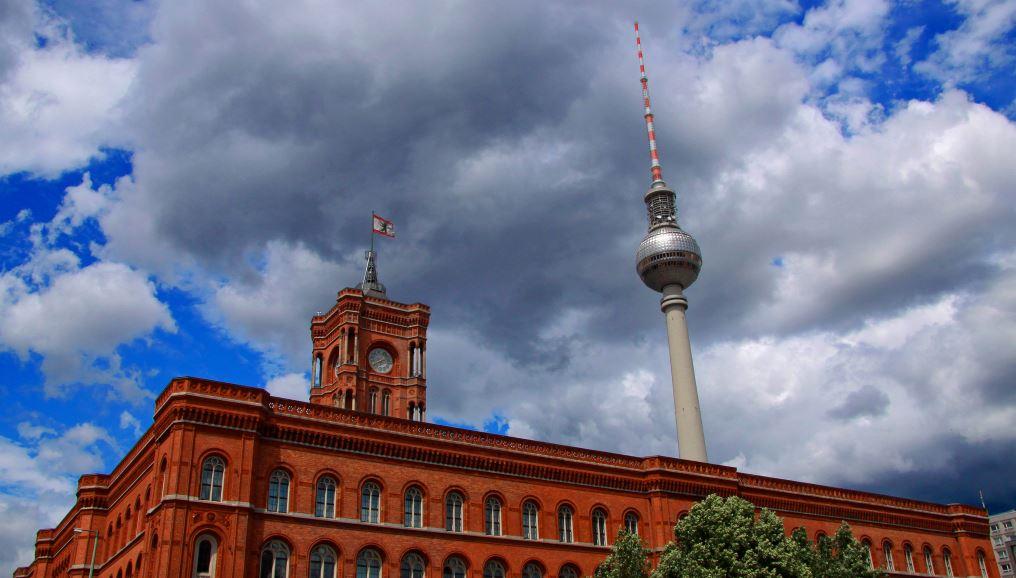 Doof, aber sexy? Die Bundeshauptstadt landet bei Bildungsrankings immer wieder hinten. Foto: Stefan Schopohl / flickr (CC BY-NC-SA 2.0)