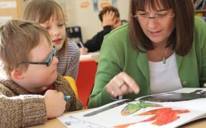 Rund 10.000 Lehrer zusätzlich werden laut Bertelsmann-Stiftung benötigt, wenn in Deutschlands Schulen inklusiv - wie hier an der Gesamtgrundschule Eitorf - gelernt wird. Foto: Bertelsmann Stiftung / Ulfert Engelkes