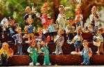Schon Grundschulkinder konstruieren sich über die Wahl eines in ihren Augen 'weiblich' oder 'männlich' assoziierten Berufs als Mädchen beziehungsweise Junge. Bild :Alexas_Fotos / Pixabay (CC0 Public Domain)