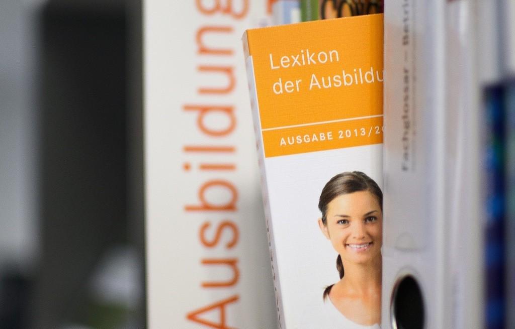 Viele Oberstufenschüler sind nur oberflächlich berufsorientiert. Hamburgs Bildungssenator Rabe will ihre Berufsorientierung verpflichtender gestalten. Foto: Dirk Vorderstraße / flickr (CC BY 2.0)