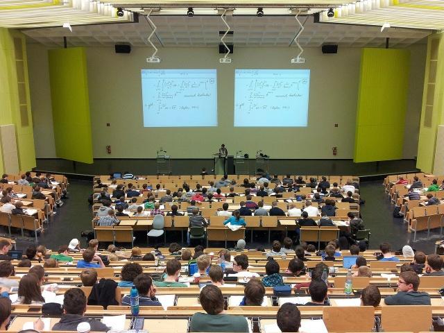 Berufsorientierung - Schüler richtig vorbereiten und unterstützen Bild 2 Hörsaal