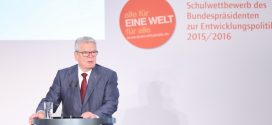 Preisträger des Schulwettbewerbs des Bundespräsidenten zur Entwicklungspolitik ausgezeichnet