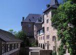 Die fast 900 Jahre alte Burg Blankenheim ist eine von 15 Musik-Jugendherbergen im Rheinland. Foto: DJH Landesverband Rheinland e. V.