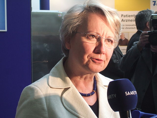 Bekommt keine Zwei-Drittel-Mehrheit für eine Grundgesetzänderung: Bundesbildungsministerin Annette Schavan (CDU). Foto: Andreas Schepers / Wikimedia Commons (CC-BY-SA-3.0)