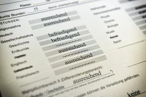 Eine Leistungsbewertung kann nie der ganzen Schülerpersönlichkeit gerecht werden, egal ob als Note oder verbale Beurteilung, meint etwa der VBE Baden-Württemberg. Foto: Dirk Vorderstraße / flickr (CC BY 2.0)