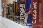 Diskussion um Energy-Drinks: Stellen die flüssigen Wachmacher eine Gefahr für Schüler dar? Foto: Simon Desmarais / flickr (CC BY-SA 2.0).