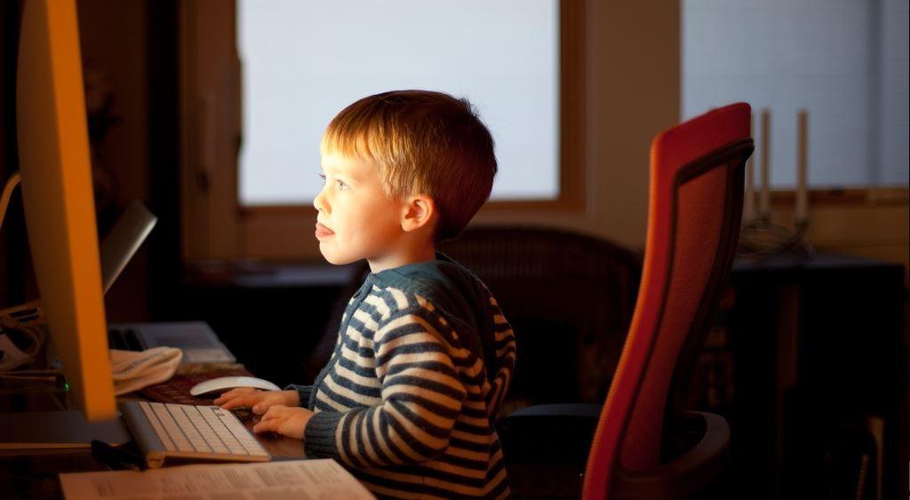 Computer verändern die Lebenswelt von Kindern, keine Frage. Aber ist das schlecht? Foto: Lars Plougmann / flickr (CC BY-SA 2.0)
