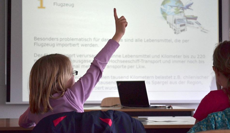 Die Hochschule Fresenius lädt interessierte Schülerinnen und Schüler ein. Foto: Hochschule Fresenius