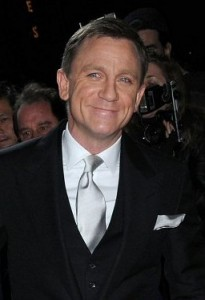 "James Bond alias Daniel Craig bei der Filmpremiere von ""Ein Quantum Trost"" in New York 2011. (Foto. NYTrotter/Wikimedia CC BY-SA 3.0)"