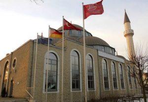 Wer steuert die Ditib? Seit dem gescheiterten Putsch in der Türkei ist die Frage aktueller denn je. (Ditib-Moschee im Duisburger Stadtteil Marxloh). Foto: Metropolico.org / flickr (CC BY-SA 2.0)