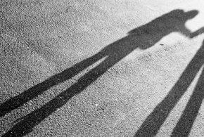 Erschütternd! Was Helikopter-Eltern ihren Kindern antun – ein Abiturient berichtet von seinen Erfahrungen