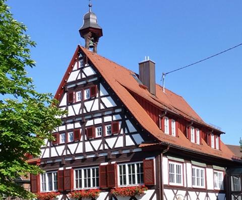 """""""...ein liebenswertes Gemeinwesen, in dem es sich zu leben lohnt"""", heißt es auf der Webseite der Gemeinde Weissach. Foto: Jacquesverlaeken /Wikimedia Commons (CC BY-SA 3.0)"""