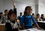 Flüchtlingskinder bedürfen besonderer Förderung - die Mehrheit der Deutschen meint allerdings, dass sie weniger Förderung als in Deutschland geborene Kinder bekommen sollten. Foto: Russell Watkins/Department for International