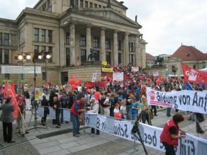 Am Gendarmenmarkt versammelten sich die Demonstrationsteilnehmer. Foto: GEW