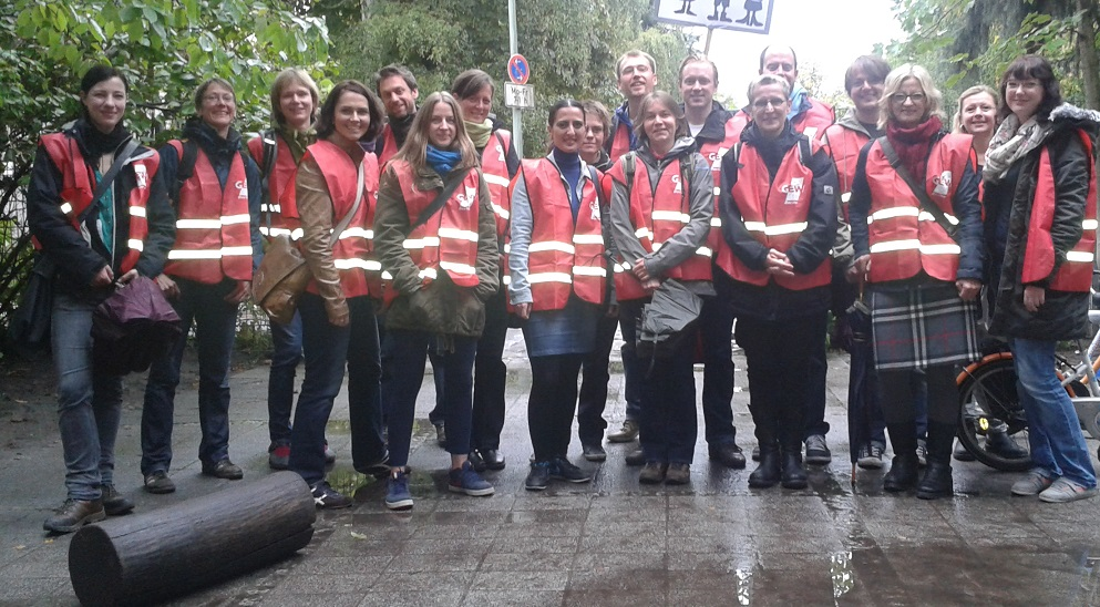 Lehrerinnen und Lehrer der Fritz-Karsen-Schule in Berlin-Neukölln beteiligten sich an dem Warnstreik im September. Foto: GEW Berlin